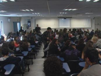 Paraná TV inicia série de reportagens sobre o vestibular (Foto: Reprodução)