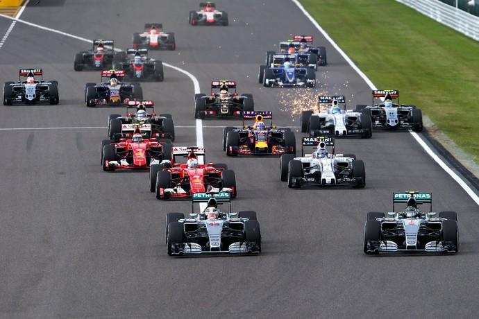 Lewis Hamilton assumiu a liderança na largada e ditou ritmo do GP do Japão (Foto: Getty Images)