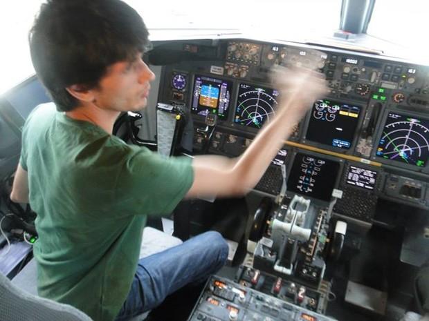 João Paulo faz treinamento em painel de aerovane (Foto: Arquivo Pessoal/João Paulo)