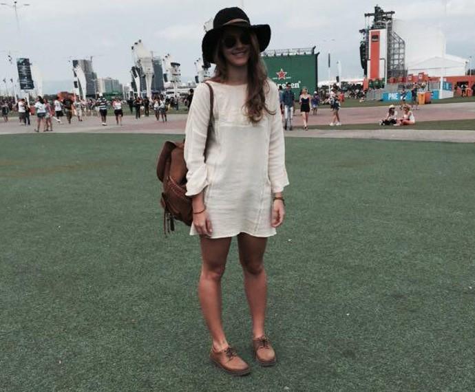 Ana Clara Bandeira, de 18 anos arrasou no look com chapéu e vestido (Foto: Carolina Caldas / Gshow)