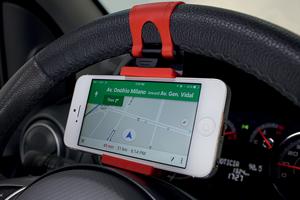Suporte de celular para o volante (Foto: Autoesporte)