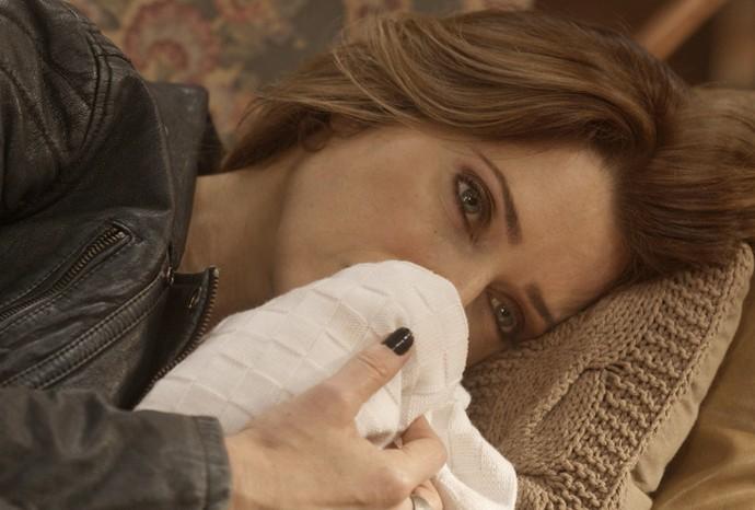 Loira desaba ao lembrar da filha  (Foto: TV Globo)