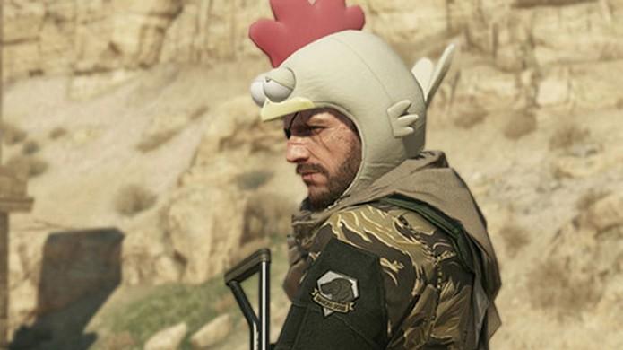 Chapéu de galinha deixa o jogo mais fácil, porém tira toda a seriedade (Foto: Metal Gear Informer)