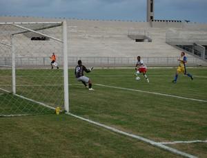 Leonel x Perilima, Amigão (Foto: Silas Batista / GloboEsporte.com)