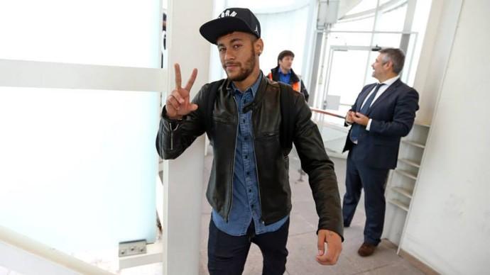 Neymar na ida para a Holanda (Foto: Facebook)