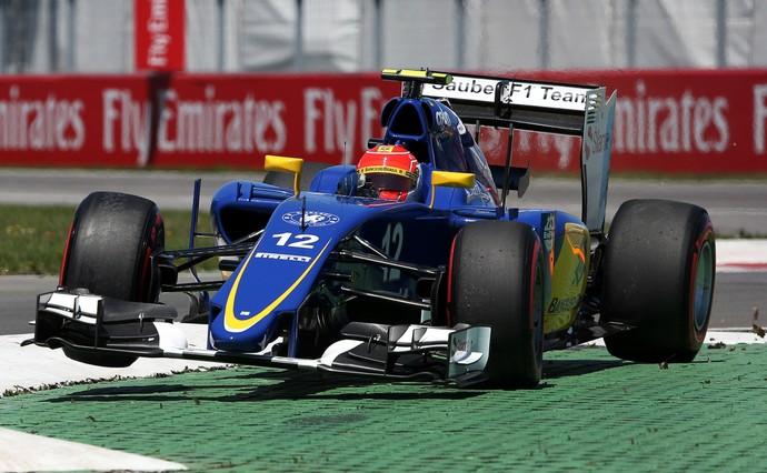 Felipe Nasr em ação no treino classificatório para o GP do Canadá de Fórmula 1 2015 (Foto: AP)