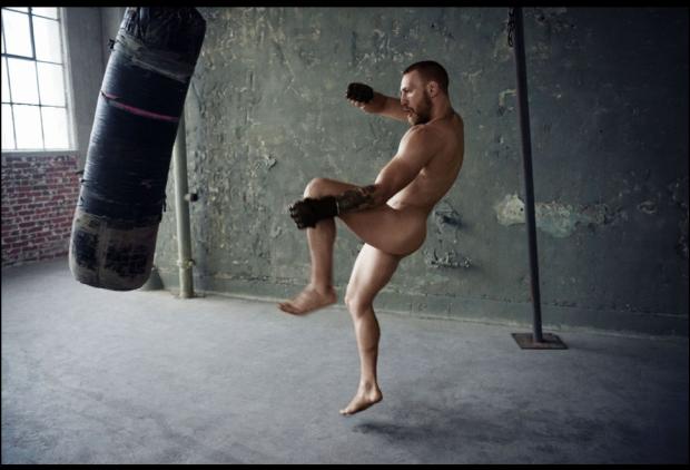 Connor McGregor (Foto: Reprodução/Body Issue)