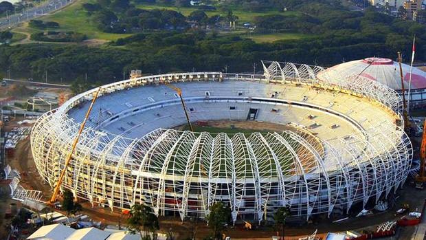 Obras de modernização do Beira-Rio (Foto: Alexandre Sperb / Beira-Rio, Gigante Para Sempre, DVG)