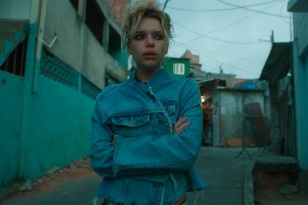 """A atriz também interpreta uma jovem problemática em """"A Regra do Jogo"""" (Foto: Divulgação)"""