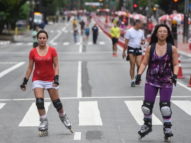 Patinadoras na Avenida Paulista (Foto: Flávio Moraes/G1)