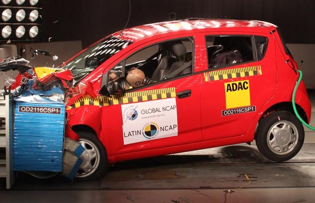 Chevrolet Spark GT é vendido sem airbags no México e na Colômbia (Foto: Divulgação)