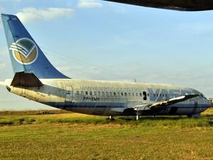 Avião da antiga Vasp no 'cemitério' do aeroporto de Viracopos (Foto: Leandro Filippi / G1)