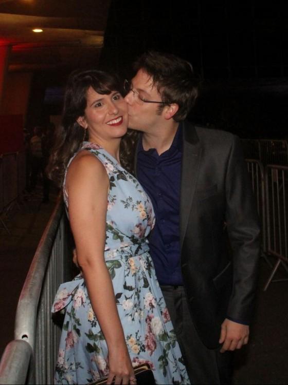 Porchat e a noiva, Nataly, se conheceram nos bastidores do Porta dos fundos (Foto: AG. News)