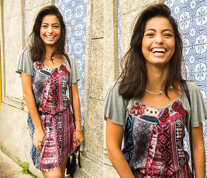 Krica escolheu um vestinho estampado e soltinho... Uma graça! (Foto: João Miguel Júnior/Globo)