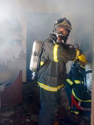 Incêndio no Jardim das Margaridas, em Salvador, Bahia (Foto: Sd BM Ribeiro/ Corpo de Bombeiros)