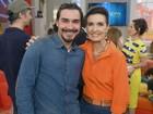 André Gonçalves e Angela Roro se divertem nos bastidores do Encontro; veja cliques