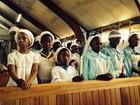 Missa em igreja símbolo da luta antiapartheid homenageia Mandela