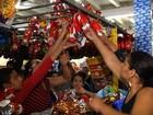 Promoções de ovos de Páscoa atraem consumidores em Goiânia