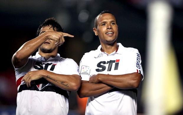Luis Fabiano comemora gol na  partida do São Paulo contra o Bolívar (Foto: Marcos Ribolli / Globoesporte.com)