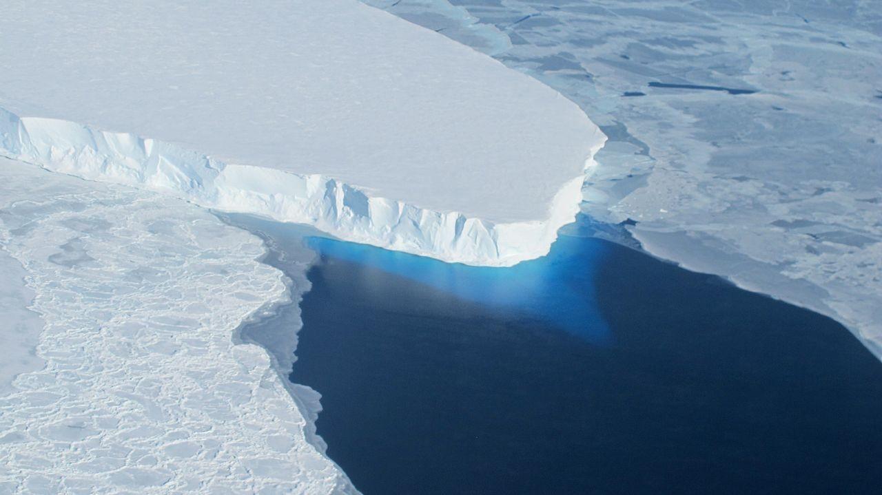 A geleira de Thwaites, um dos lugares ameaçados analisados pelo estudo (Foto: Wikimedia Commons)