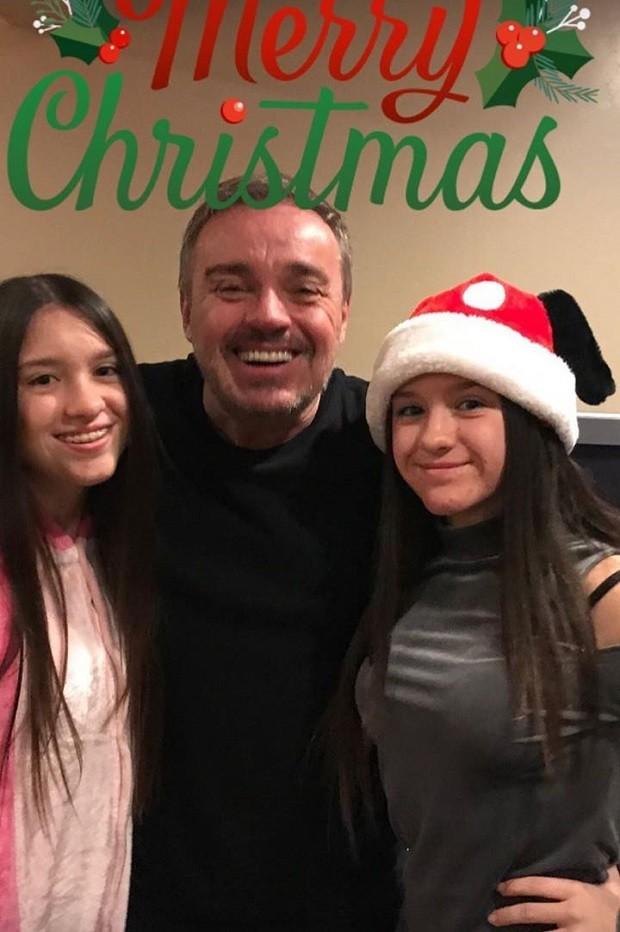 Gugu e as filhas (Foto: Reprodução/Instagram)