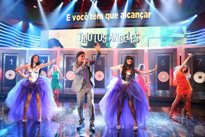 Trio Los Angeles se apresentou com a música 'Transas e Caretas' (Foto: Carol Caminha/Gshow)