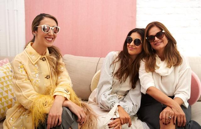 Chantal Goldfinger com Amanda e Denise Cassou (Foto: Divulgação)