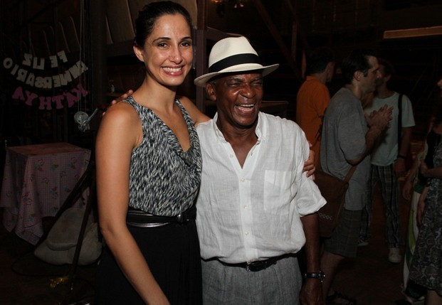 Camila Pitanga e Antonio Pitanga (Foto: Anderson Borde / Agnews)