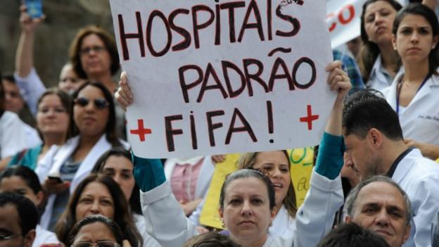 Entidade de classe diz que planos 'enfiam a faca' no paciente e 'tiram sangue dos médicos' (Foto: BBC)