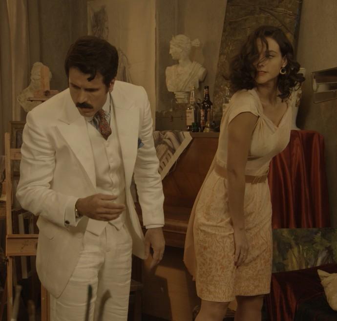 Filomena se revolta e dá tapa na cara de Ernesto (Foto: TV Globo)