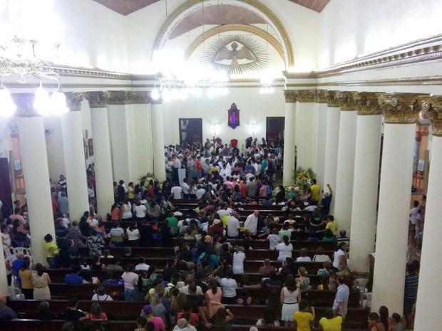 Velório de Dom Marcelo Carvalheira aconteceu na Catedral da Luz, em Guarabira (Foto: Volney Andrade/TV Cabo Branco)