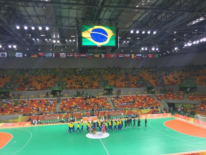 Arena do Futuro vazia para o começo de Brasil x Noruega (Foto: Thierry Gozzer)
