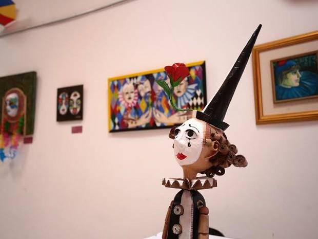Mostra carnavalesca exibe obras de artistas alagoanos (Foto: Jonathan Lins/G1)