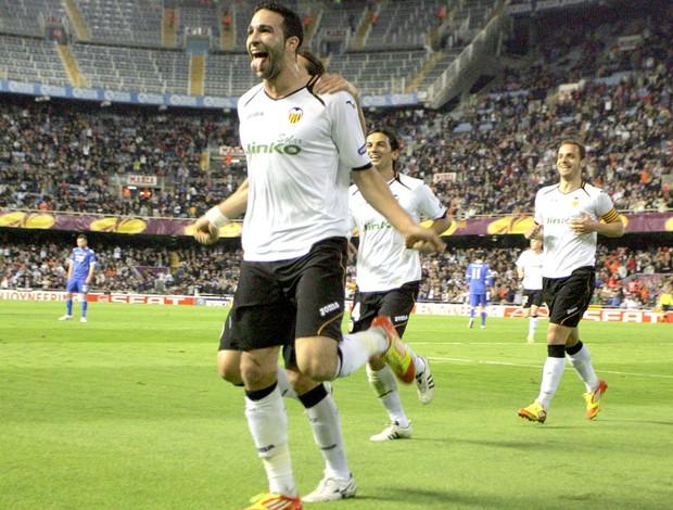 Adil Rami gol Valencia (Foto: AFP)