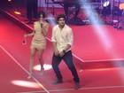 Caio Castro faz dancinha 'poderosa' com Anitta em premiação no Rio