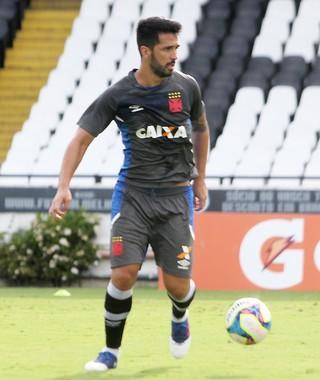 Presidente do Palmeiras descarta Everton Ribeiro e elogia zagueiro Luan