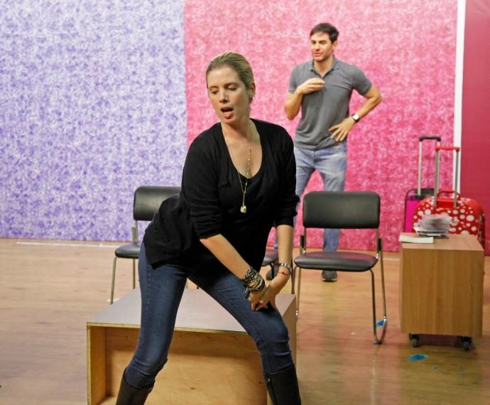 Dani Valente dança funk durante ensaio do Tomara que Caia (Foto: Artur Meninea/Gshow)
