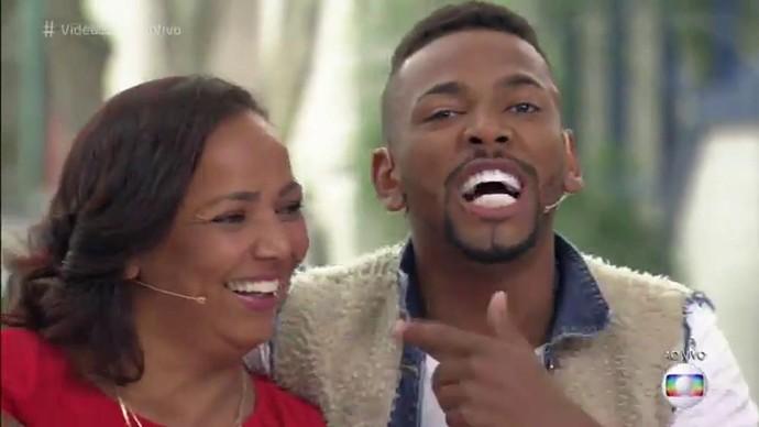 Roseli e o filho, Nego do Borel, no 'Vídeo Show' (Foto: TV Globo)