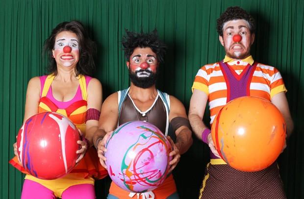 Trio tenta despertar o interesse de crianças e adultos pelos esportes (Foto: Reprodução/Facebook)