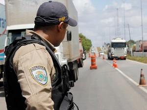 PRF-PB realiza operação na Paraíba (Foto: Divulgação/PRF)