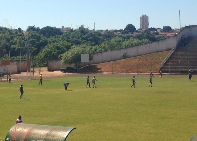 Equipes de base do Osvaldo Cruz estiveram neste sábado em Assis (Foto: Rogério Januário Júnior / Cedida)