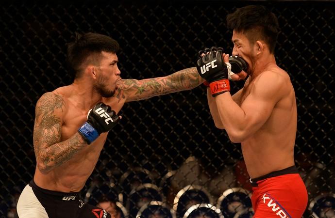Russell Doane x Kwan Ho Kwak UFC Singapura (Foto: Getty Images)