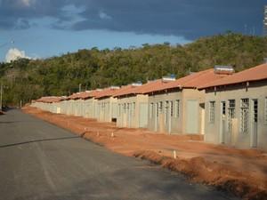 Casas populares devem ser entregues em 2014 (Foto: Magda Oliveira/G1)