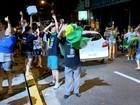 Manifestantes comemoram prosseguimento de impeachment