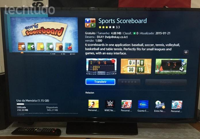 """Para baixar um app na Smart TV da Samsung, clique em """"Transferir"""" (Foto: Lucas Mendes/TechTudo)"""