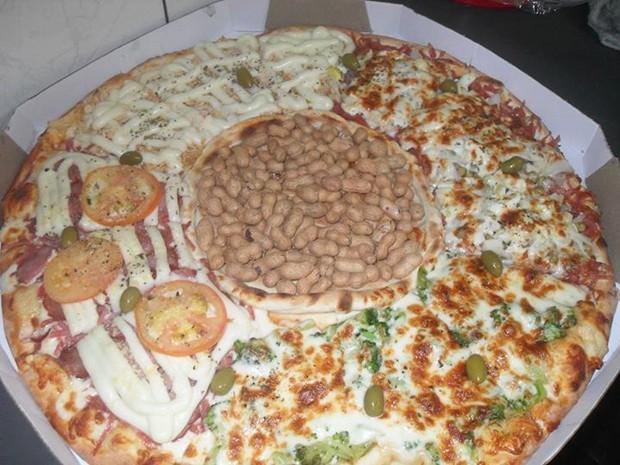 Pizza com recheio de amendoim (Foto: Ricardo dos Santos/Arquivo Pessoal)