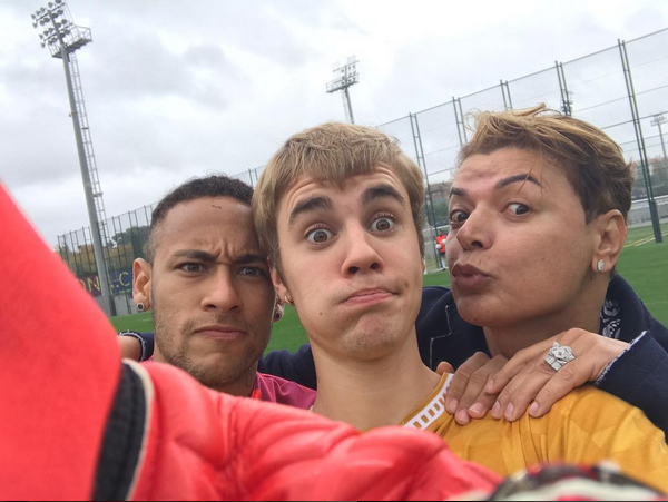 Neymar, Justin Bieber e David Brazil se encontram em Barcelona (Foto: Reprodução / Instagram)