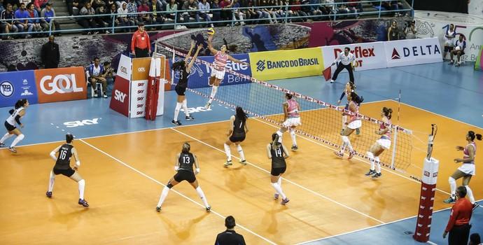 Osasco x Pinheiros Superliga de Vôlei (Foto: CBV / Divulgação)