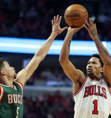 Derrick Rose Chicago Bulls x  Milwaukee Bucks playoffs nba jogo 1 (Foto: Reuters)