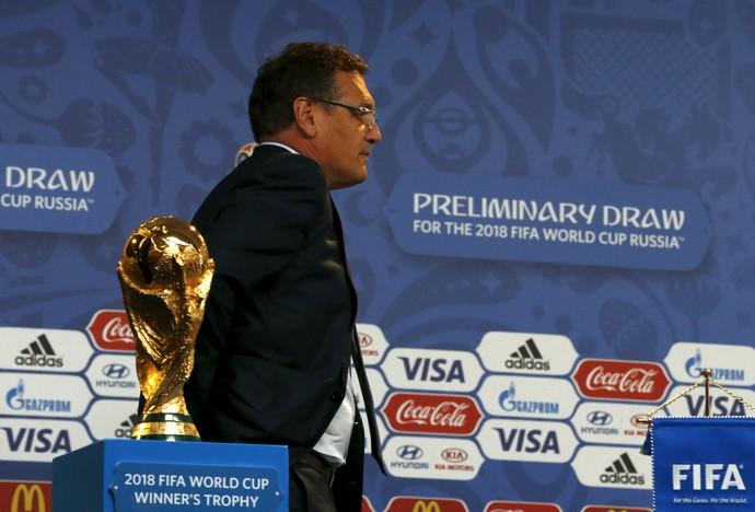 Jerome Valcke sorteio das eliminatórias da Copa de 2018 (Foto: Reuters)